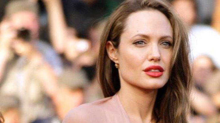 Анджелина Джоли может потерять детей - постановление суда