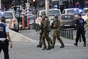 В Брюсселе водитель пытался наехать на полицейских, они открыли огонь