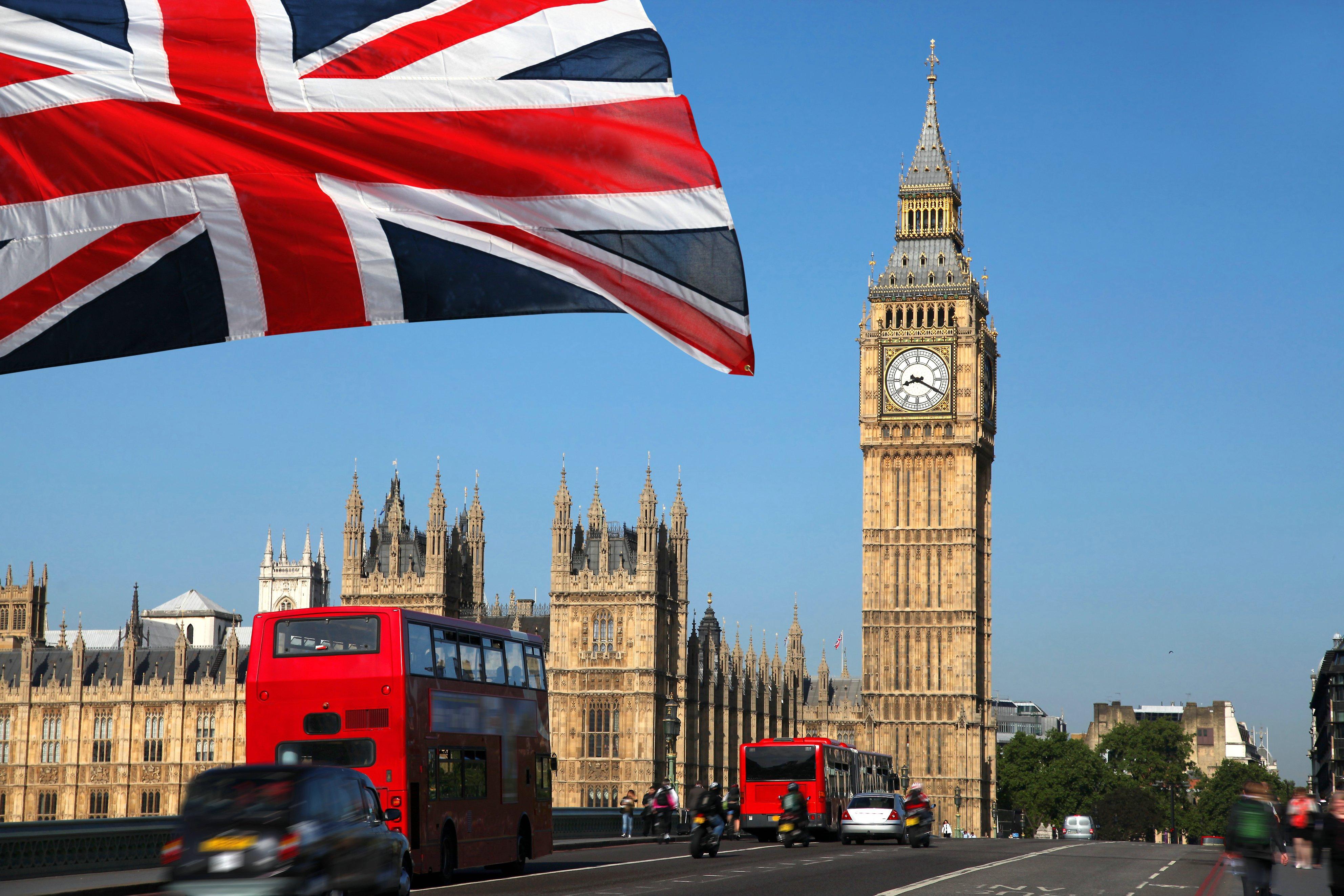 Граждане ЕС смогут сохранить свои права в Британии после получения ID-карты