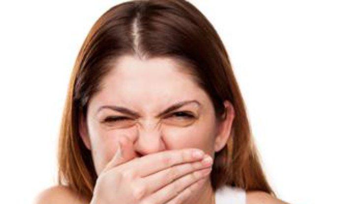 Почему утром неприятный запах изо рта: ответ медиков