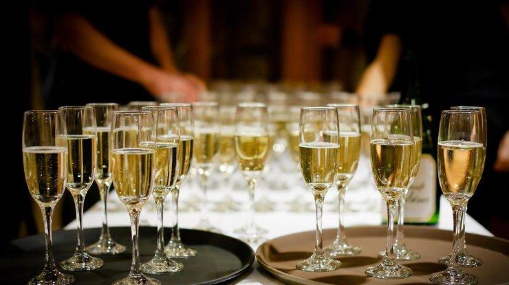 Медики назвали неожиданную пользу шампанского