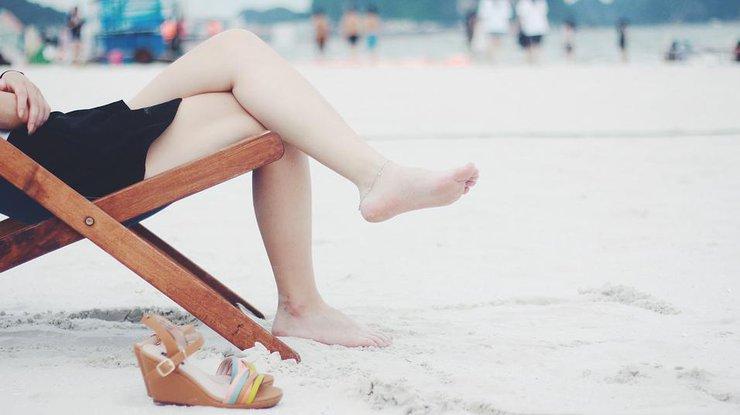 Почему отекают ноги и что делать