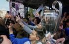 В Киев прибыл кубок Лиги чемпионов УЕФА