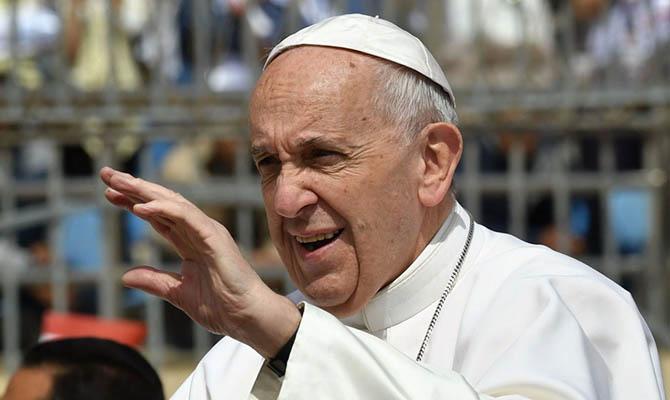 Папа Франциск раскритиковал политику Дональда Трампа в отношении мигрантов