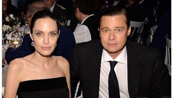 СМИ: Анджелина Джоли на грани истощения и весит 35 кг