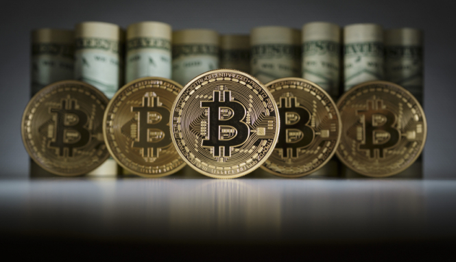 Стоимость биткоина побила свою рекордную отметку