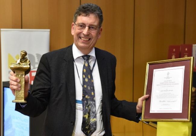 British historian gets award from Polish academic community