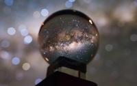 Астроном зробив чудовий кадр нашої Галактики завдяки купленій на блошиному ринку кришталевій кулі