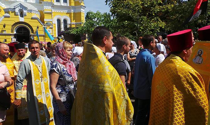 Крестный ход УПЦ КП: полиция насчитала 65 тысяч верующих