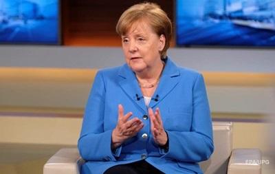 Более 40 процентов немцев хотят отставки Меркель - опрос