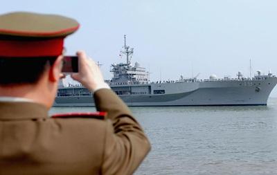 Китай призвал США смириться с его политикой