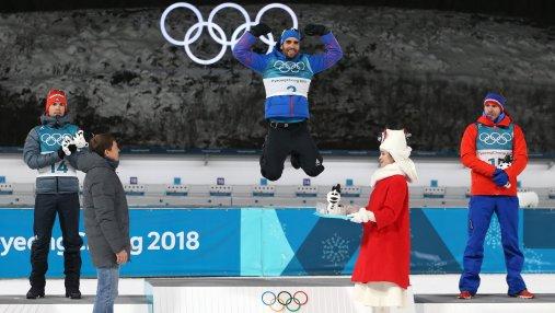 Феноменальный биатлонист Фуркад благодаря фотофинишу завоевал золото Олимпиады в масс-старте