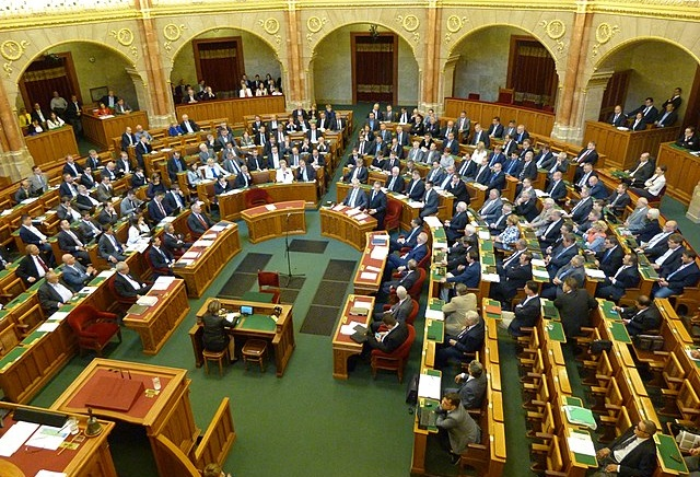 Hungarian parliament backs Poland against EU sanctions