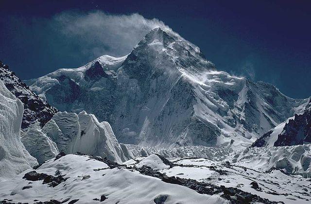 На К2 триває самотнє сходження Дениса Урубка