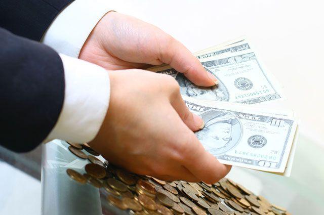 Курс валют на 23 октября: за выходные стоимость доллара и евро выросла