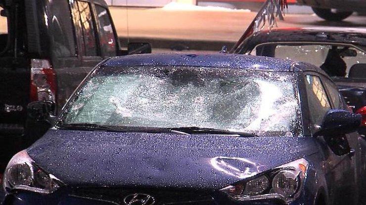 Град побил авто на миллионы долларов (видео)