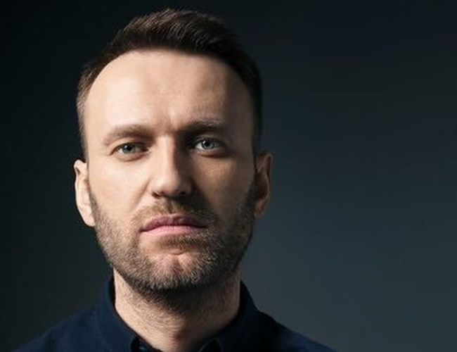 Российские власти не разрешают Алексею Навальному выехать за границу