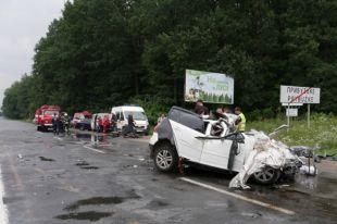 Авария в Хмельницкой области: погибли супруги и их четырехлетняя дочь