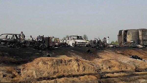 Пожар в Пакистане унес жизни почти 150 человек