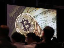 Эксперт объяснил снижение стоимости криптовалют