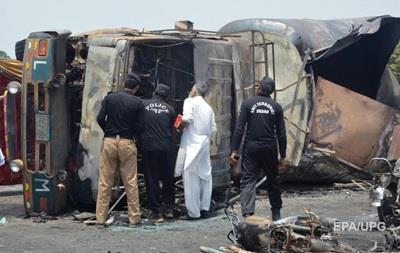 Кількість жертв пожежі в Пакистані наближається до 150