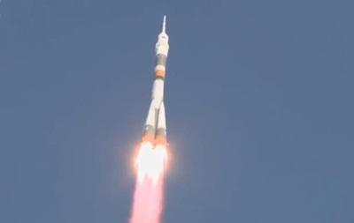 Росія запустила ракету  Союз  з екіпажем для МКС