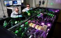 Ученые удваивают мощность самого яркого лазера на сегодняшний день
