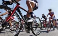 Бельгийский велогонщик Жильбер проехал 60 км с переломом коленной чашечки