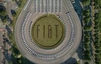 Рекорд Гиннеса: в Италии раздали 1500 новых автомобилей
