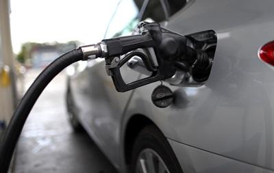 Великі мережі АЗС підняли ціни на бензин