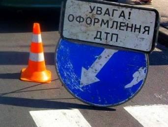 У Києві позашляховик на смерть збив жінку на пішохідному переході і врізався в автобус