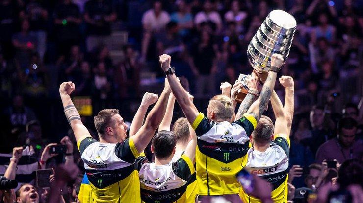 Украинцы из NA'VI взяли золото турнира по CS