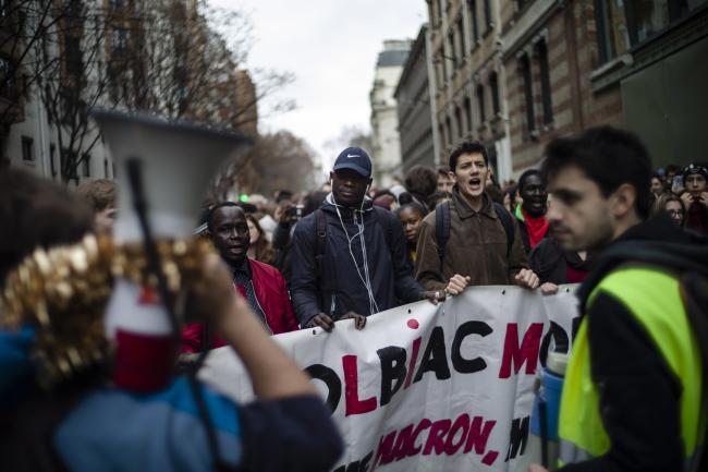 Во Франции не прекращаются акции протеста