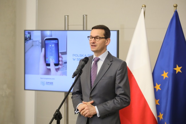 Polish gov't adopts 'constitution for business'