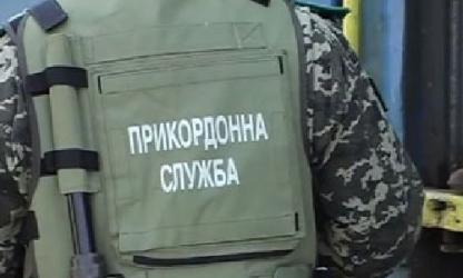 Пограничники задержали на КПВВ Гнутово боевика с поддельным паспортом и передали его СБУ