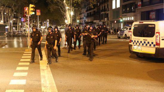 В Каталонии полиция нашла 120 канистр, подготовленных для терактов