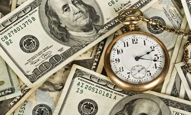 Дефицит бюджета США достиг почти 666 млрд долларов, - Bloomberg