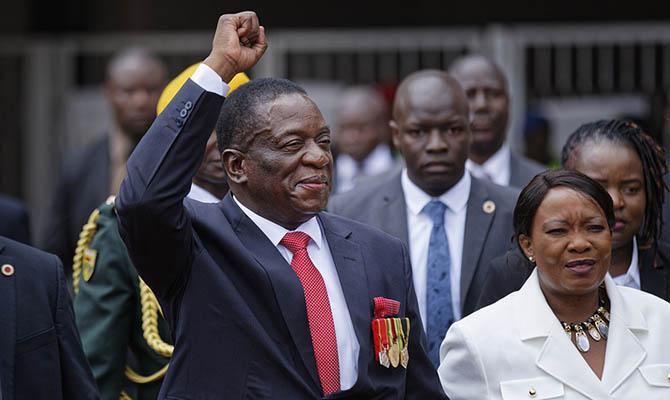 В Зимбабве совершено покушение на президента страны, - Reuters