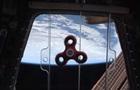 NASA показало, как астронавты крутят спиннер в космосе