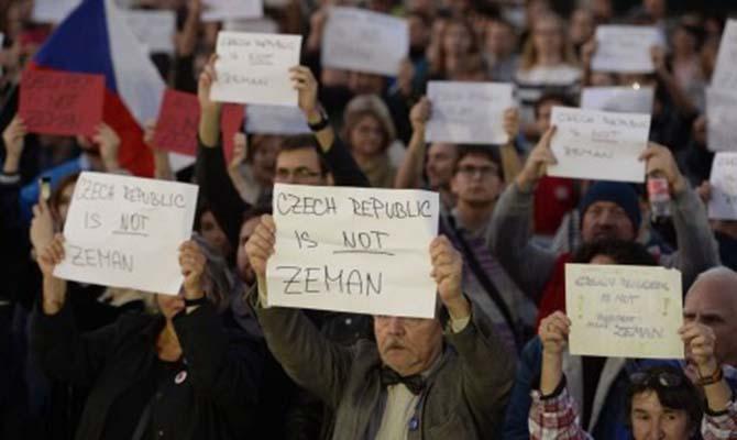 В Чехии произошли протесты против заявления президента Земана о Крыме