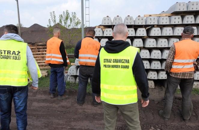У Медиці громадяни України незаконно реконструювали залізничну колію
