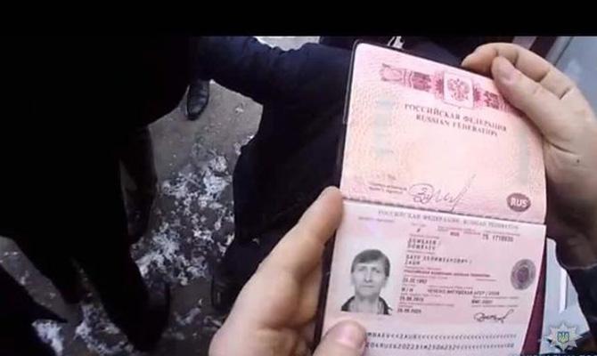 Из Украины выдворили российского криминального авторитета Хасана