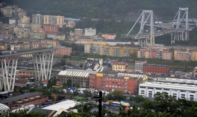 Число жертв падения моста в Генуе возросло до 35 человек