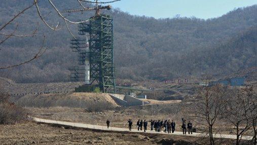 Ким Чен Ын пообещал уничтожить полигон для запуска ракет большой дальности