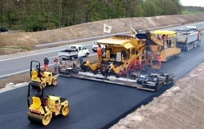 В Укравтодорі назвали суму на ремонт всіх доріг