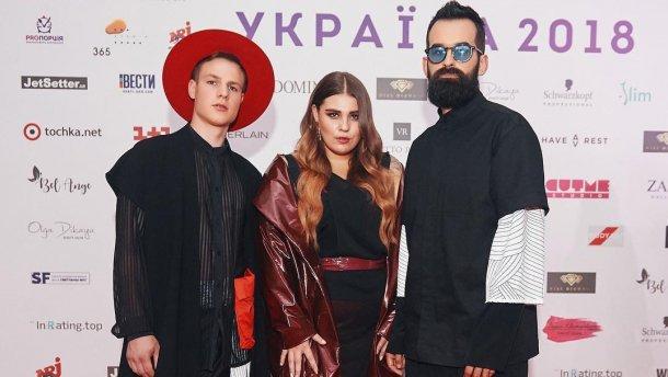 Українська пісня Плакала гурту KAZKA потрапила у Топ-10 світового чарту