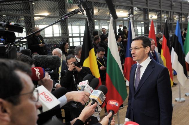 На встречу с главой Еврокомиссии премьер Польши принесет «белую книгу»