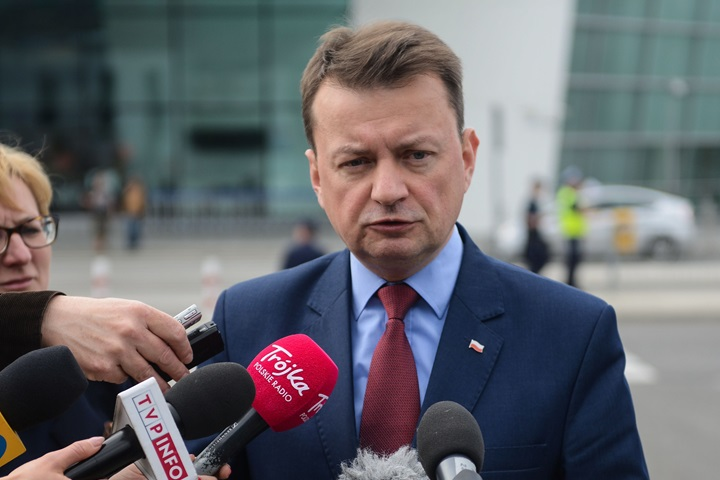 Polish defence minister arrives in the US to discuss security