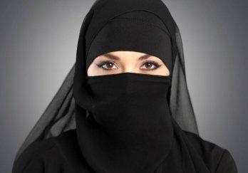 В Саудовской Аравии женщины впервые сели за руль автомобиля