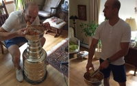 Перешедший из Питтсбурга в Нэшвилл хоккеист поел спагетти из Кубка Стэнли